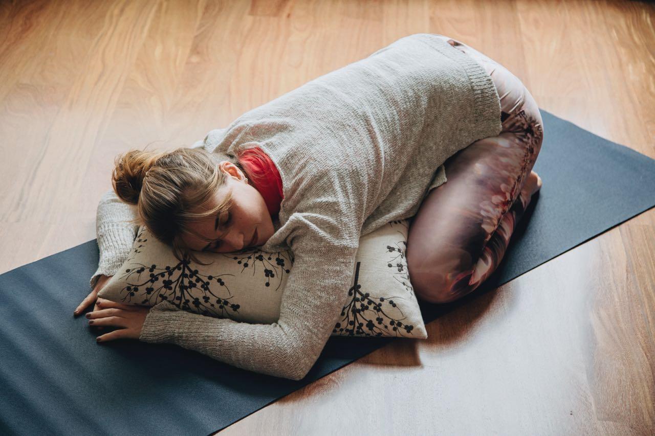 Dolor de espalda, Vitamina M, Kiana de Azambuja, Dennis Santa Cruz